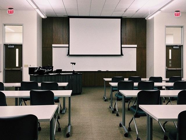 Systematische Entwicklung und Implementierung von zielgruppenspezifischen Angebotssegmenten in Einrichtungen der Erwachsenenbildung (ImZiel)